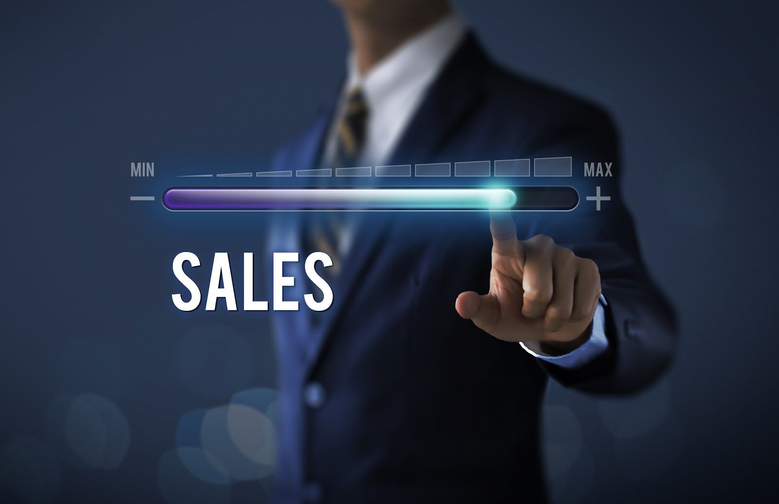 Sales cycle: Man increasing sales to the maximum