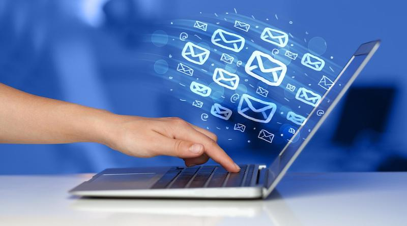 B2B email marketing: Laptop with email icons