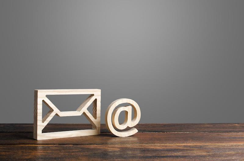 Deliverability: Email symbol and envelope
