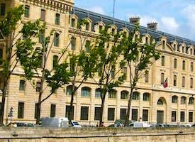 Île de la Cité & Notre Dame Live Virtual Tour's thumbnail image