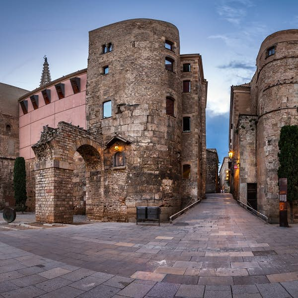 Barcelona's Beautiful Gothic Quarter - Live Virtual Experience's main gallery image