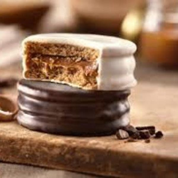Become an Expert in making Argentine Alfajores and homemade Dulce de Leche Caramel's main gallery image