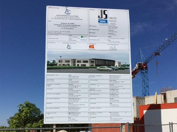 panneau de chantier pour réalisation de façade